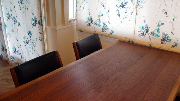 アフターリノベーション ダイニングテーブルに耳付きテーブルを選びました